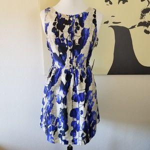 Kensie Blue & Silver Floral Dress L (NWOT)